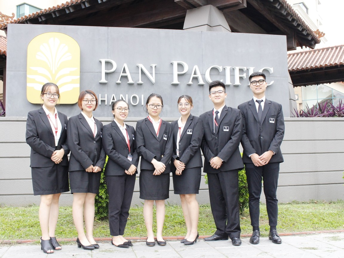 Freshmen of Vatel Hanoi (FTU) take Internship in top 5-star...