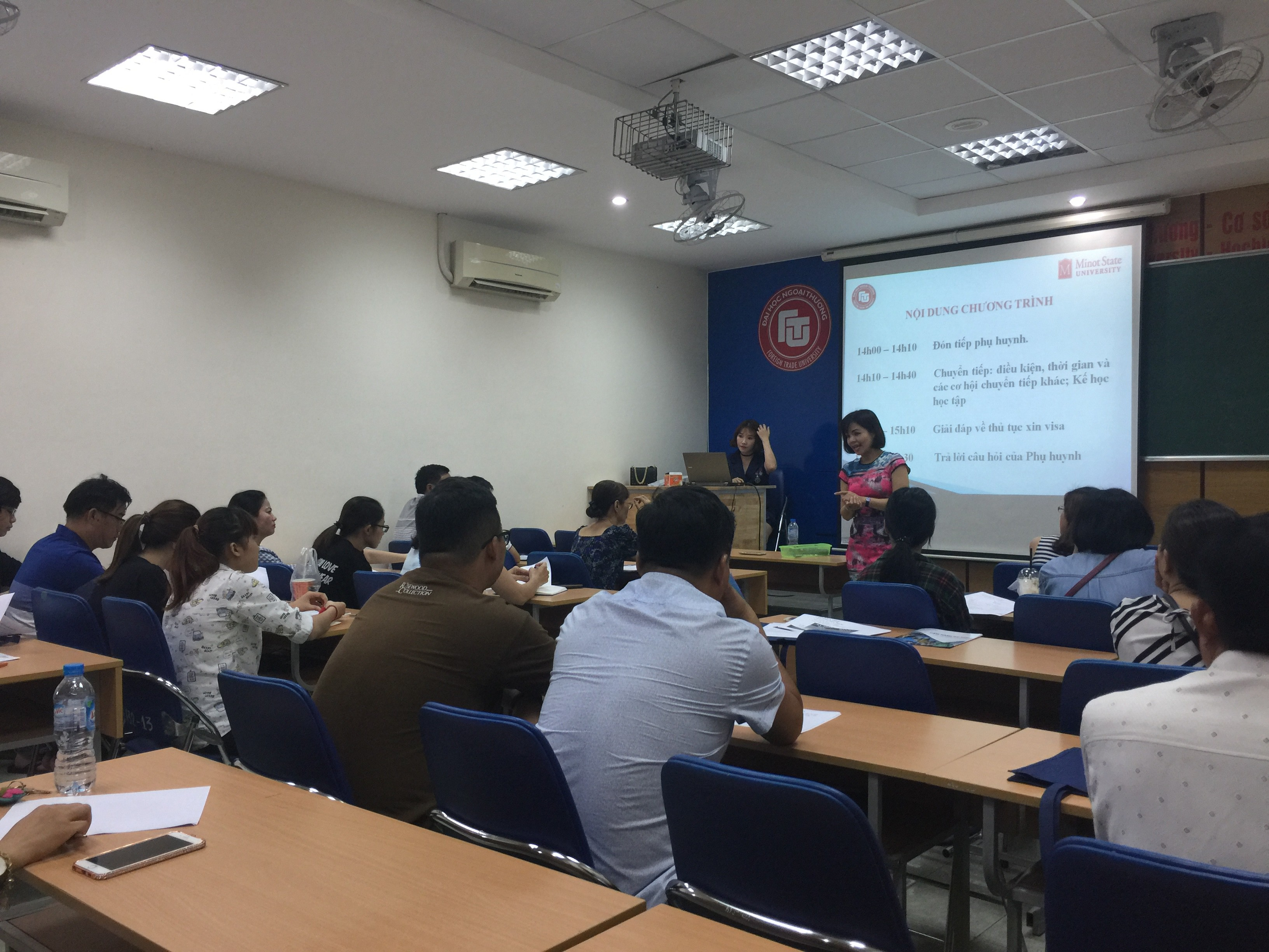 Hanoi Campus and Ho Chi Minh Campus of Foreign Trade University closely connected in running joint training programs
